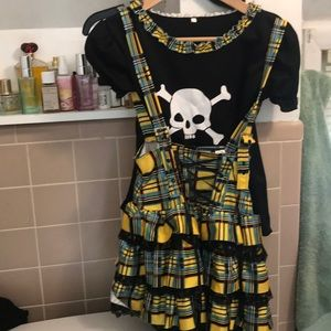 Two piece girls skirt set. Size m/l.